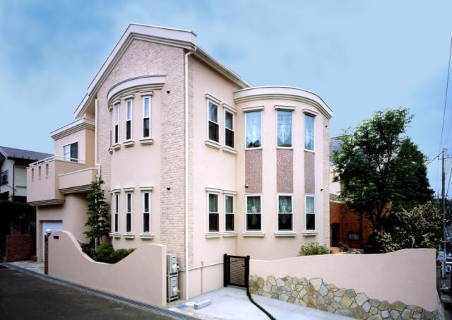 Case16柔らかな外光が射し込む南欧スタイルの家T邸