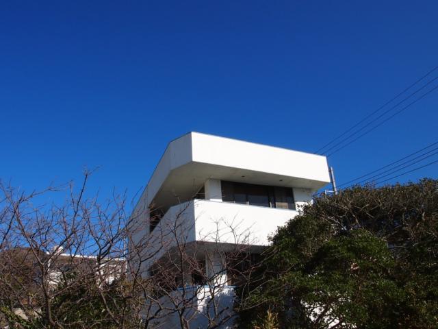南葉山秋谷|中古戸建|7900万円「海を見下ろす高台の戸建、カースペース3台」