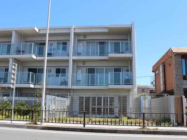 逗子市新宿 マンション ご成約『海を望む広い庭付き』