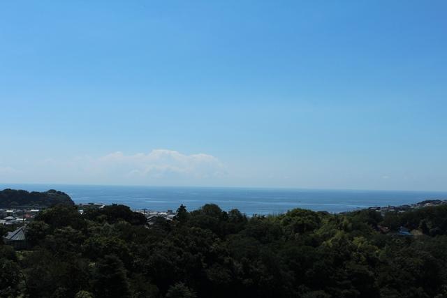 【鎌倉市鎌倉山】|土地:7200万円|120坪の敷地から見下ろす海
