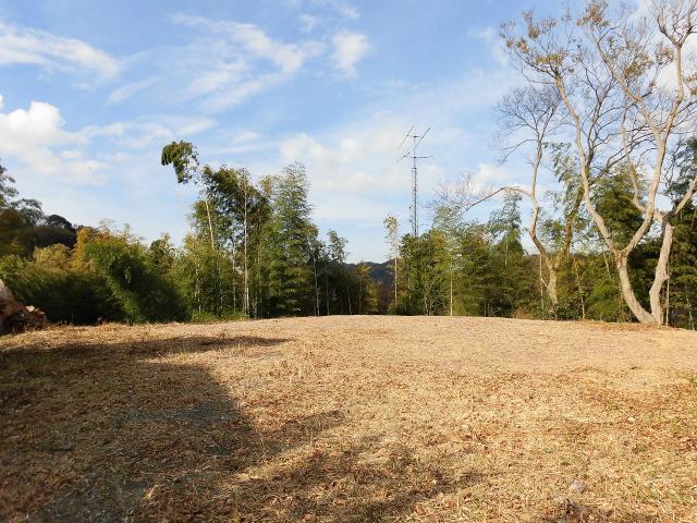 【葉山町下山口】|土地:3480万円|葉山の森の中のおおきな土地