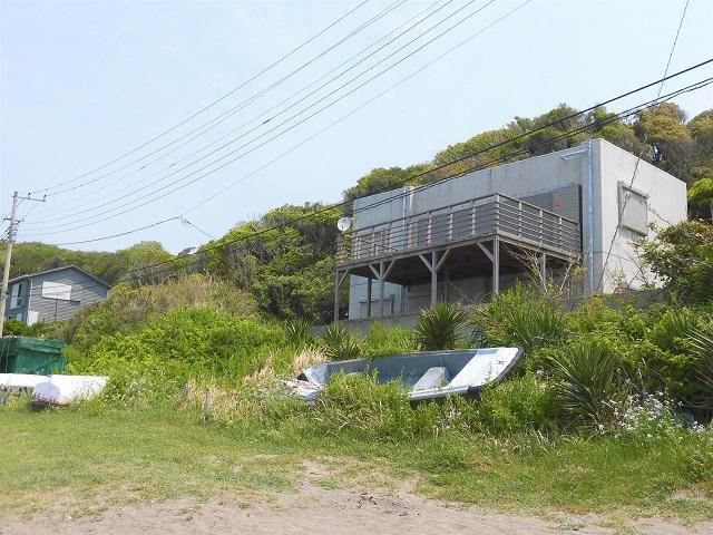 三浦市初声町和田|リゾート戸建|13000万円|ビーチ前のRC造