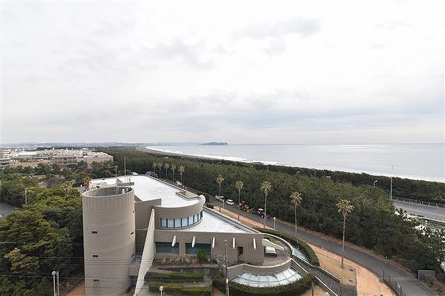 ※ご成約となりました茅ヶ崎市緑が浜10階リビングより相模湾一望!江の島も望めます!2LDK+2w+S